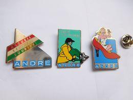 Série De 3 Pin's , Marque Chaussures André , Escarpin - Marques
