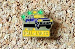 Pin's TOYOTA Publicitaire HALL DE L'AUTO - Peint Cloisonné - Fabricant Inconnu - Toyota
