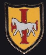 65908- Pin's.La Croix Occitane.Cheval.équitation.signé Tosca. - Animales
