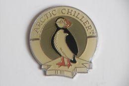 Pin's - Animaux Pingouin Penguin Animal Mascotte De La Marque ARCTIC CHILLER - Animales