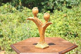 Ancien Bougeoir En Plâtre Art Déco Forme Tulipe Hauteur 33 Cm Un Petit éclat Vendu Dans L' état Visible Sur La Photo D69 - Ceramics & Pottery