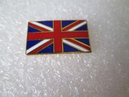 PIN'S   DRAPEAU  UNITED KINGDOM   Email Grand Feu  22X13mm - Pin's