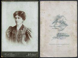 Romania / Hungary - Transylvania: Kabinettfoto, Dame (Fotograf: Szabó Dénes - Nagyvárad / Oradea) - Personnes Anonymes