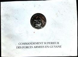 GUYANE CARTE DE VOEUX ADRESSEE AU COMMANDANT SUPERIEUR DES FORCES ARMEES EN GUYANE BEAU BLASON - Libri, Riviste & Cataloghi