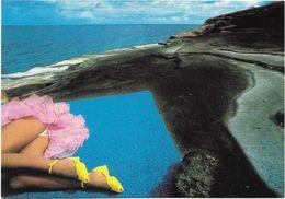 CPM - édit. TRAVELLING - PH 24 - Photo : CHEYCO LEIDMANN - BANANASPLIT - Femmes