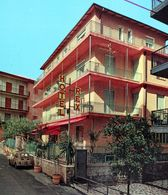 ITALIA Riviera Dei Fiori ALASSIO Via Leonardo Da Vinci HOTEL REX Italie Italy FIAT 500 - Chanteurs & Musiciens