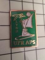 1219 Pin's Pins / Beau Et Rare / THEME : SPORTS / AUTRES LYON UFR APS - Pin's