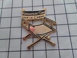 1320 Pin's Pins / Beau Et Rare / THEME : CINEMA / TIRAGE 500 EX FONDATION GAN POUR LE CINEMA - Cinéma