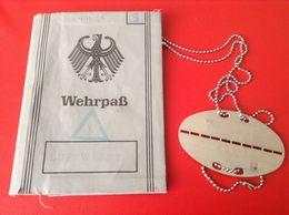 Dokument Wehrpaß Bundeswehr 1970 Koblenz Mit Erkennungsmarke - Documenti