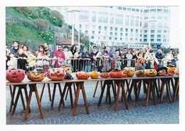 64 Biarritz PHOTO Originale Grand Concours De Citrouilles En Novembre 1996 Pour Halloween VOIR DOS - Lieux