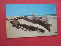Ship Wreck On The Outer Banks North Carolina >   Ref 4218 - Etats-Unis