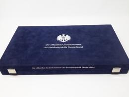Luxus Münzkassette Für 63 X 5/10 DM Münzen Deutschland Gebraucht (Z2205) - Matériel