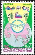 Pakistan Stamp 1991 Asian Development Bank  MI 831 ** MNH - Pakistan