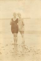BINIC 1924 FEMMES EN MAILLOT DE BAIN PHOTO ORIGINALE  8.50 X 6 CM - Lugares