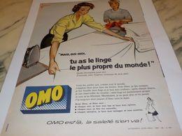 ANCIENNE PUBLICITE LINGE PLUS  PROPRE  OMO  1958 - Afiches
