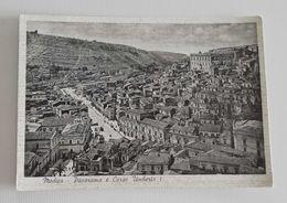 Cartolina Illustrata Modica - Panorama E Corso Umberto I, Per Firenze 1953 - Modica