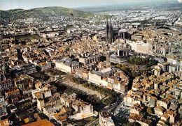 63 - Clermont Ferrand - Vue Générale, La Place De Jaude Et La Cathédrale - Clermont Ferrand