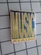 1320 Pin's Pins / Beau Et Rare / THEME : MUSIQUE / MUSIC A LA UNE - Música