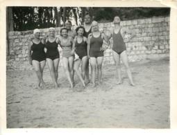 ENVIRON DE ROYAN  07/1939 HOMMES ET FEMMES EN MAILLOT DE BAIN  PHOTO ORIGINALE  10.50 X 8 CM - Lugares