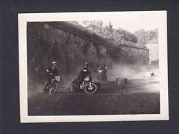 Photo Originale Amateur Sport Moto Entrainement Course Lieu à Situer Sans Doute Course Sauvage 42600 - Automobiles