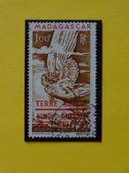 T.A.A.F. N°1 Oblitéré PA De Madagascar Surchargé Terre Adélie Dumont D'Urville 1840 Poste Aérienne Cote 82€ - Airmail