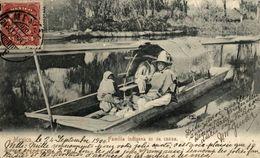 MEXICO. FAMILIA INDIGENA EN SU CANOA - Mexico