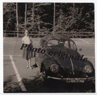 Photo Originale - Autos Voitures Automobiles Cars - Volkswagen VW Coccinelle Käfer Beetle - Jeune Femme - Automobili