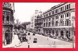 E-Ceylan-60P89  COLOMBO, Prince Street, Animation, Voir Les Vieilles Voitures, Type Photo, BE - Sri Lanka (Ceylon)