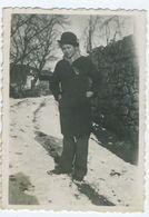 Jeune Fille En Charlot 1944 - Personnes Anonymes