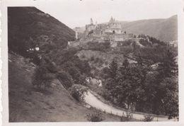 Chateau De Vianden Luxembourg Juillet 1933 - Personnes Anonymes