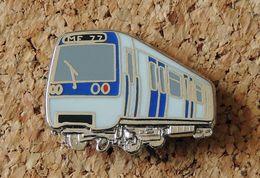 Pin's SNCF TRAIN RATP Métro De Paris MF77 - émaillé à Froid - Fabricant BALLARD * - TGV