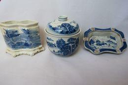 Assiette, Théière - Porcelaine - Chine - XX Siècle - Arte Asiático