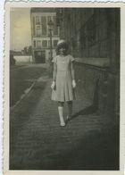 Belle Jeune Fille Chaussette Blanche - Personnes Anonymes