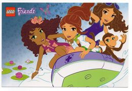 CPM    LEGO FRIENDS    -   3 JEUNES FILLES AVEC UN SINGE DANS UN CANOT PNEUMATIQUE - Enfants