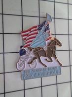 1320 Pin's Pins / Beau Et Rare / THEME : ANIMAUX / CHEVAL EQUITATION STATUE DE LA LIBERTE 1989 PRIX D'AMERIQUE TENOR DE - Animales