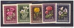 00784 - Hongrie  :   Yv  963-67  **  Fleur - Flower - Hungría