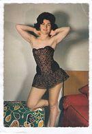 CPSM.  15 X 10,5  - Belle  Femme En Tenue Légère - Belleza Feminina (1941-1960)