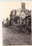 PHOTO ORIGINALE 39 / 45 WW2 WEHRMACHT FRANCE CARIGNAN LES RUINES DE LA VILLE - Guerre, Militaire