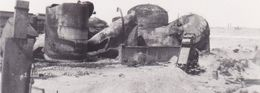 PHOTO ORIGINALE 39 / 45 WW2 WEHRMACHT FRANCE DUNKERQUE JUILLET 1940 UN DÉPÔT DÉTRUIT - Guerre, Militaire