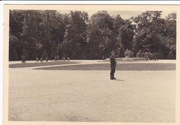 PHOTO ORIGINALE 39 / 45 WW2 WEHRMACHT FRANCE COMPIEGNE SOLDATS ALLEMANDS A LA CLAIRIERE DE L ARMISTICE - Guerre, Militaire