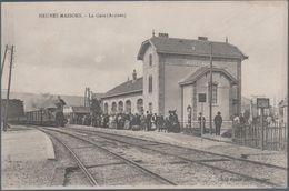 Neuves Maisons , Train En Gare , Animée - Neuves Maisons