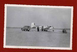 Photo Aéroport,petit Avion, Jeep 4X4  En Afrique - Aviación