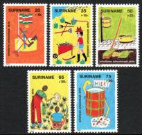 Suriname, 1982, Child Welfare, Clean Cities, MNH, Michel 997-1001 - Surinam