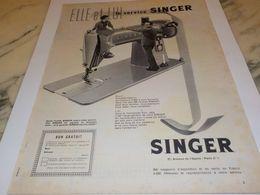 ANCIENNE PUBLICITE ELLE ET LUI SERVICE SINGER 1958 - Afiches