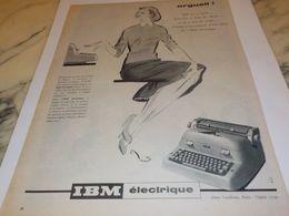 ANCIENNE PUBLICITE LUXURE  MACHINE A ECRIRE IBM ELECTRIQUE 1957 - Altri