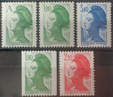 DF40266/1972 - 1986 - TYPE LIBERTE DE DELACROIX - N°2423 à 2427 (N°2426a) NEUFS** - Francia