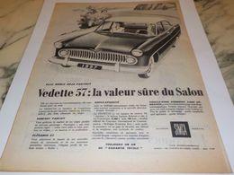 ANCIENNE PUBLICITE ELLE ROULE PARTOUT VOITURE VEDETTE SIMCA 1956 - Posters