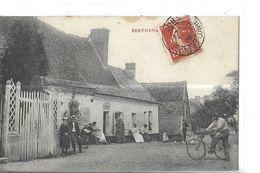 BERTHENA .. MAISON   PERSONNAGES CYCLISTE 1 PLAN Tache Haut  DEPT 37 - Autres Communes