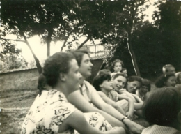 SONGIEU AIN COLONIE FRANC JOIE 1954 PHOTO ORIGINALE 10.5 X 8  CM AVEC LISTE DES PERSONNES - Orte