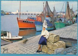LES SABLES D'OLONNE - Le Port. Au Fond, La Nouvelle Criée - Circulé 1968 - Sables D'Olonne